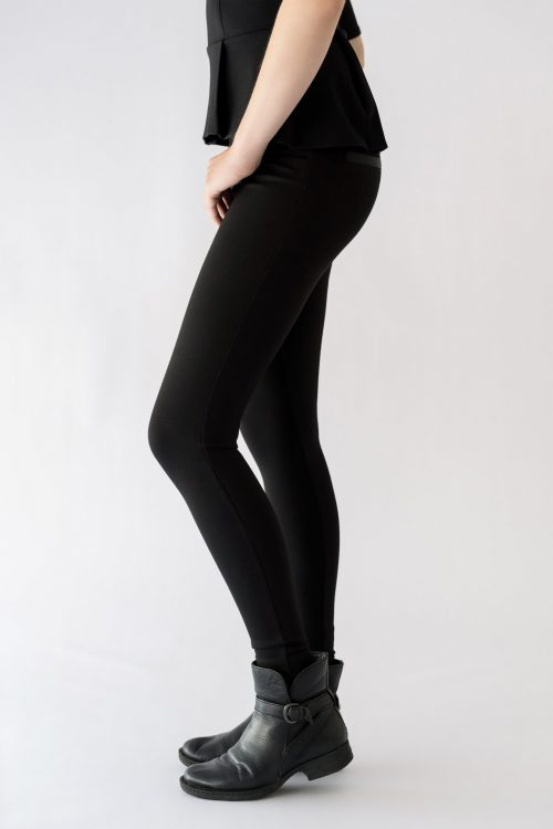 girl wearing black pant