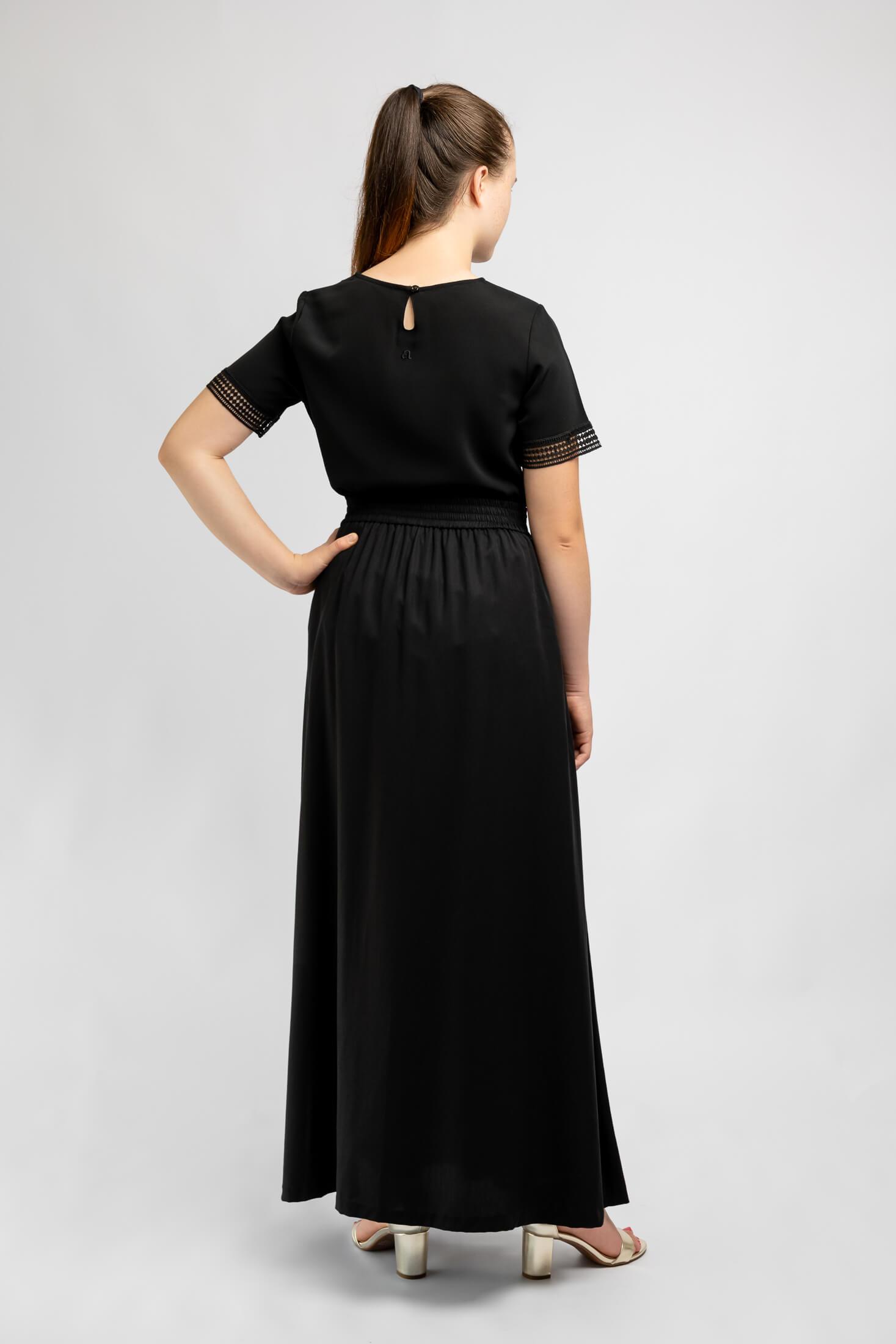 long-black-ankle-length-skirt-for-girls-back